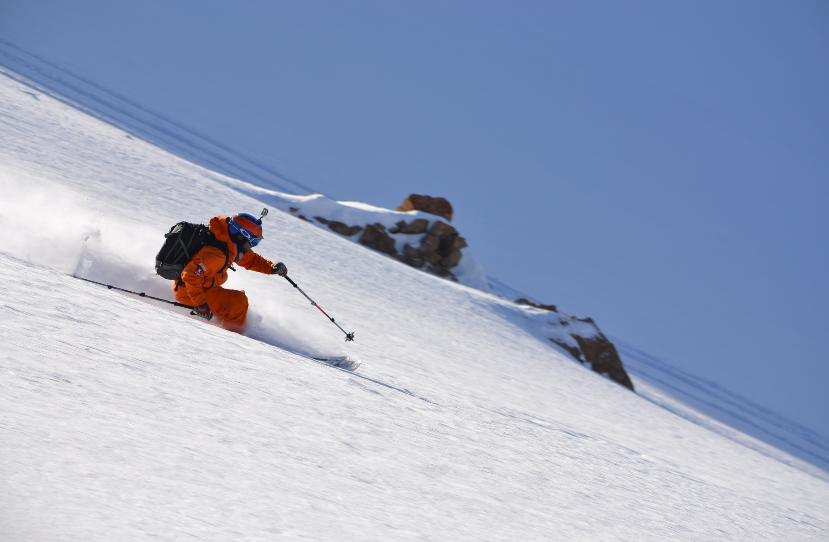 Skiing powder with New Generation