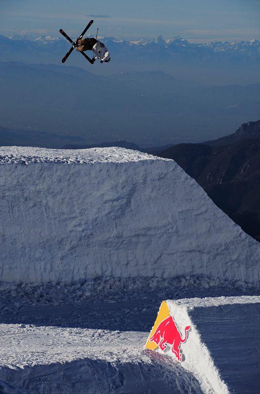 Paolo Martinoglio train at New Generation Slopestyle Ski Training Camp