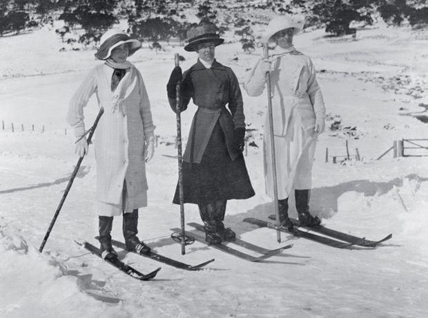 1900's Ski Style